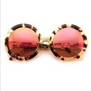 Wildfox Malibu Deluxe sunglasses in amber tortoise